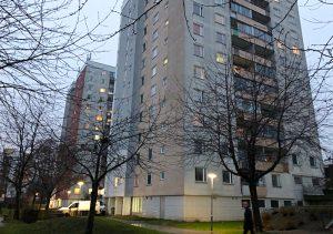 Byggmästargruppen genomför stambyten och elinstallationer på Albyvägen 8-14 åt Botkyrkabyggen.