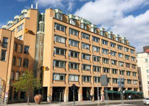 Byggmästargruppen genomför hyresgästanpassningar på 1300 kvadratmeter i Kv Överkikaren Stockholm för Sveriges Kommuner & Regioner.